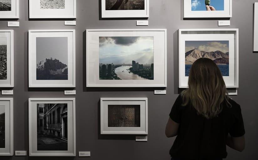 immagini di 33 artisti di 14 paesi da tutto il mondo